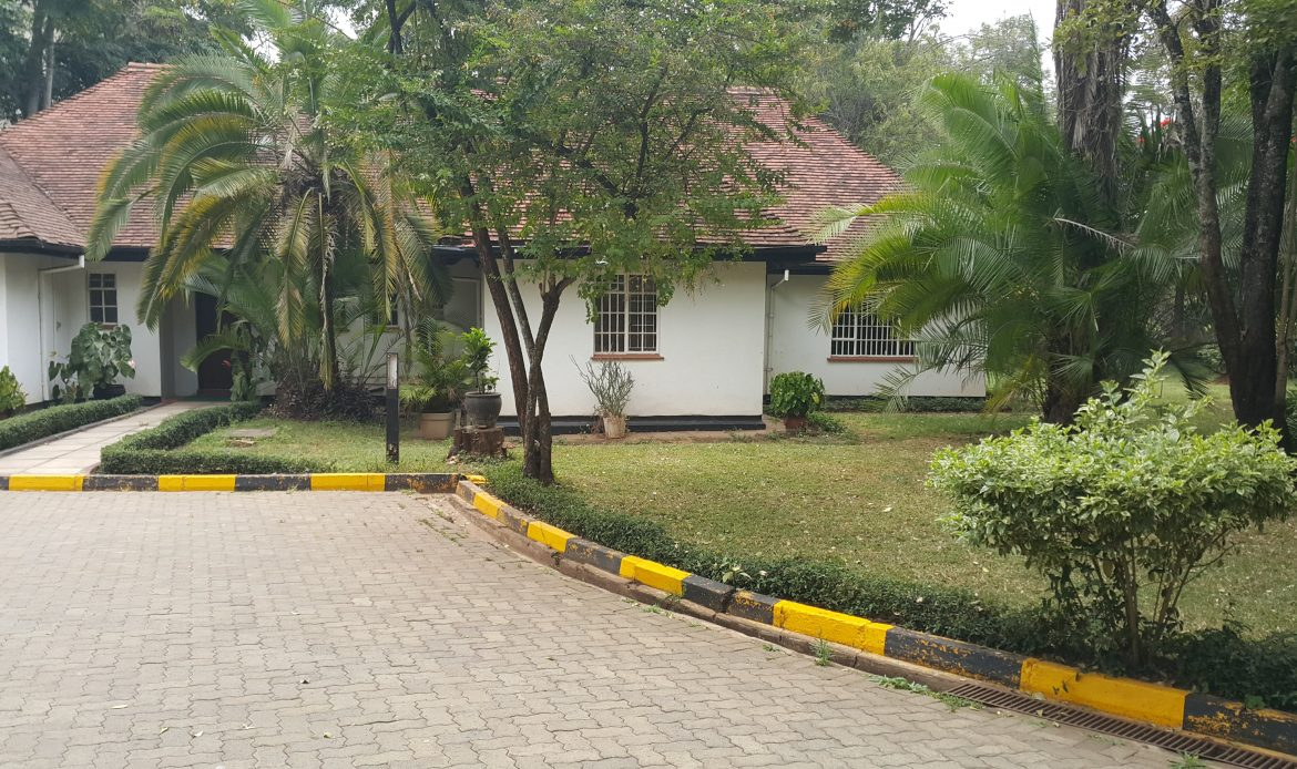 Commercial Property to Let on 1 Acre – Lavington